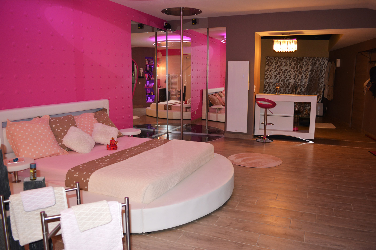 Le Concept Glam Room Gite Coquin Pour Amoureux
